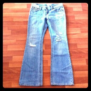 Abercrombie & Fitch Denim - Abercrombie and Fitch size 4 destroyed jeans denim