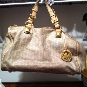 Michael Kors Handbags - Michael Kors bag