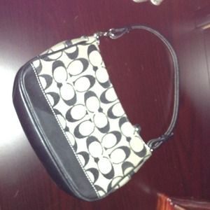 ⬇Reduced⬇Coach black and white small purse