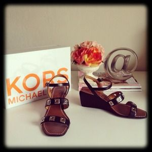 MICHAEL Michael Kors Shoes - ❌SOLD❌