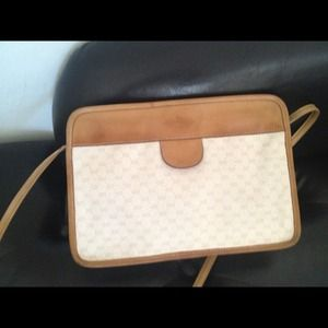 Gucci Handbags - Vintage Gucci handbag *Authentic*