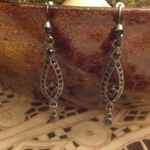 Jewelry - Black stone earrings