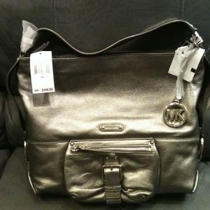 Michael Kors Handbags - Michael Kors genuine leather gunmetal handbag