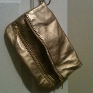 Gold Mary J Blige clutch