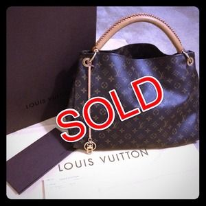 Louis Vuitton Handbags - ❌SOLD❌Authentic LV Monogram Artsy!