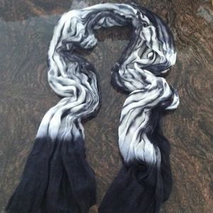 Accessories - REDUCED blk/white tie dye scarf