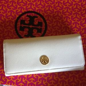 Authentic brand new white tory burch wallet