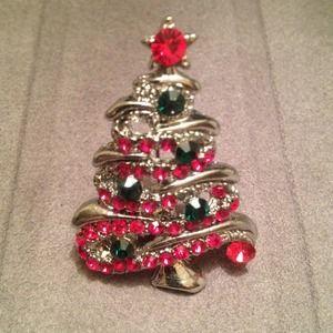 Jewelry - Christmas tree pin