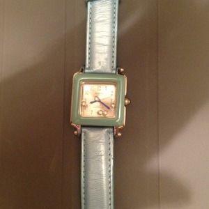 Jewelry - 🔴Reduced🔴Cute watch