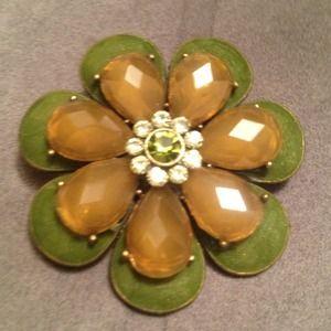 Jewelry - Flower pin