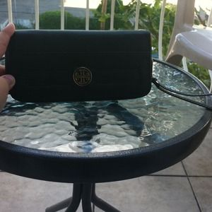 Tory Burch Clutches & Wallets - brand new TORY BURCH wallet 