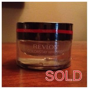Revlon Other - ❌SOLD❌NEW! Revlon Colorstay Whipped Creme Makeup