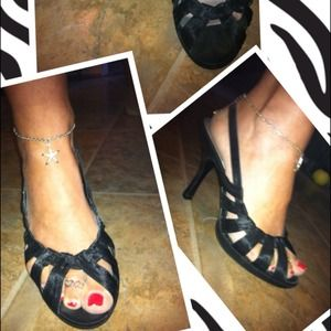 black heels sz 8 great condition only worn 3 times