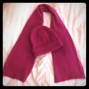 Magenta Scarf, Gloves, & Toboggan Set