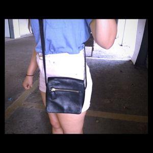 ✨Leather Cross Body Bag in Black! Like New!!✨