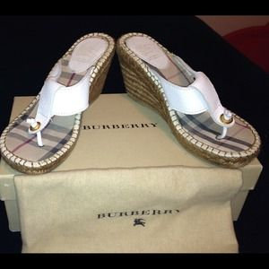 Burberry Shoes - 👀 out burberry wedges