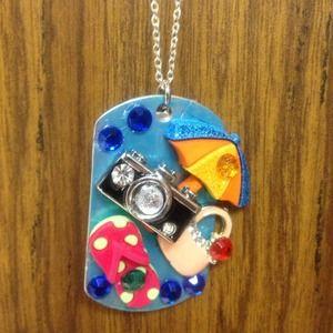 Jewelry - Dog tag vacation necklace