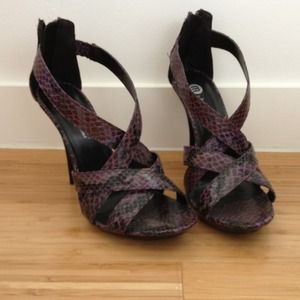 Gorgeous black and purple snake skin heels