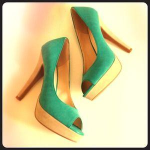Shoes - Color Block Pump
