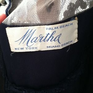 Martha Dresses - Vintage Martha gown sz 2