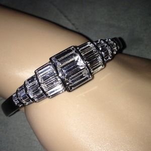 givenchy Jewelry - 😄SOLD😄MPEPPAN😄crystal&rhodium hinged bangle