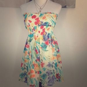wet seal Dresses & Skirts - Cute flowy floral tube top dress