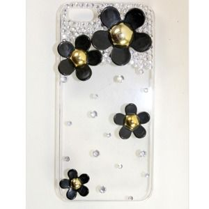 Accessories - Black Daisy Flower Bling iPhone 5 Case