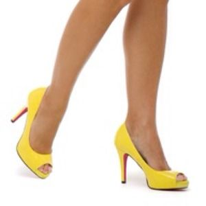 shoedazzle  Shoes - SALE! Kim K YELLOW PUMPS LYRA ! ⭐⭐⭐