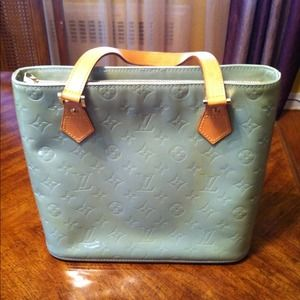 Louis Vuitton Handbags - ✂Reduced✂ Authentic Lv Houston Bag with dustbag