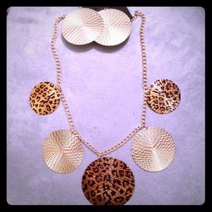 Jewelry - Necklace & Matching Earring Set