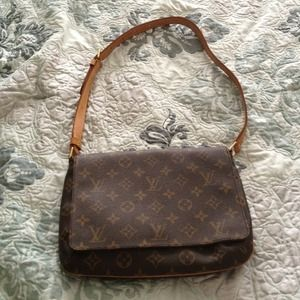 Louis Vuitton Handbags - SOLD!! Authentic Louis  Vuitton handbag