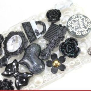 Accessories - Black Anna Sui Blackberry Bold 9900 Case
