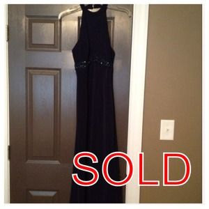 Donna by Antonio Enne Dresses & Skirts - ❌❌SOLD❌❌ @megvakil08 - Formal Halter Dress