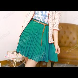 Reduced by $5. Pleated skirt.