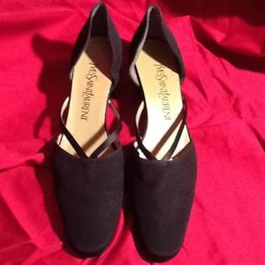Yves Saint Laurent Shoes - Black Fabric Yves Saint Laurent Pumps 7N
