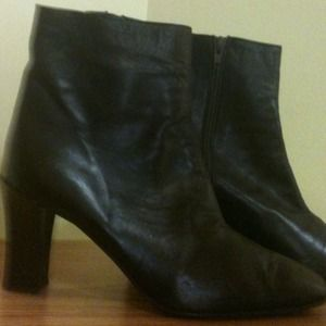 Liz Claiborne • Leather Brown Booties,Italy.
