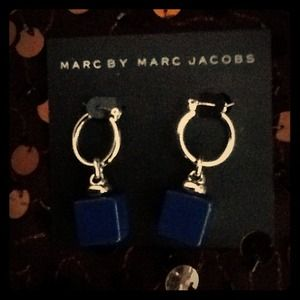 🌺GIFT🌺🏆Host Pick🏆 💯MARC JACOBS Blue Earrings