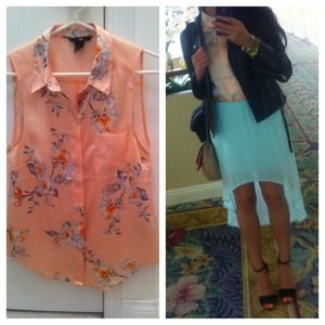 🚩SOLD H&M Floral Blush Sleeveless Button Down