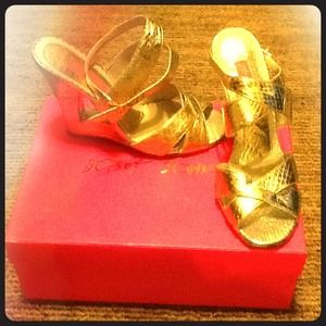 Betsey Johnson Shoes - Betsey Johnson gold cut out wedge