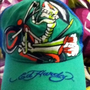 Auth ed hardy hat