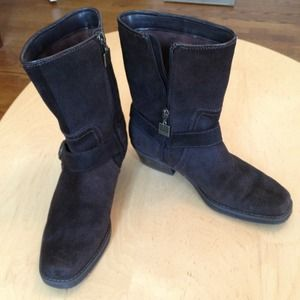 Like New BC Dark Brown Suede Harness boots sz 6