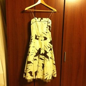 Dresses & Skirts - Knee length dress