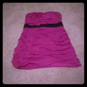 Dresses & Skirts - Magenta strapless dress reserved