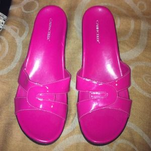 ✨Reduced✨Fabulous Fuchsia Flats