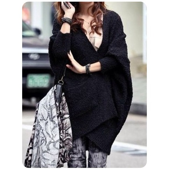 OC Boutique Sweaters - 🔰NOT AVAIL🔰New Gorgeous Black Batwing Sweater