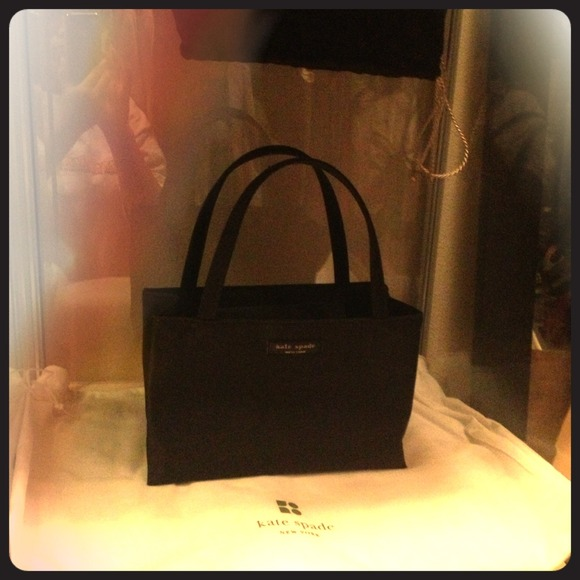 kate spade Bags   Small Black Nylon Purse   Poshmark c8cf984566