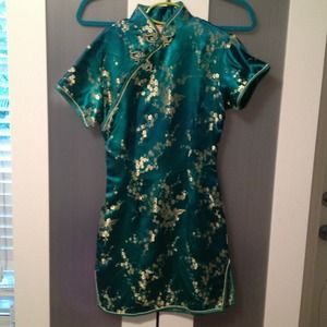 Dresses & Skirts - 🍄Jade and Gold Asian Dress 🎎🎋