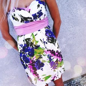 Trixxi Dresses & Skirts - Floral Dress
