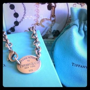 Tiffany and Co. Silver Oval Tag Necklace Authentic