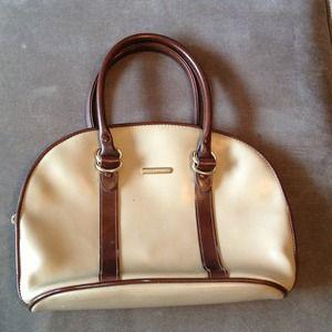 Liz Claiborne Handbags - 👜Vintage Liz Claiborne Purse👜